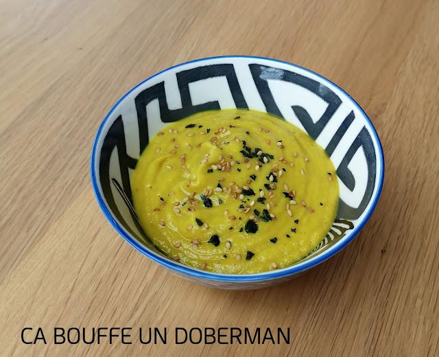 Creme de chou-fleur pois chiche curry gingembre lait coco ca bouffe un doberman vegan