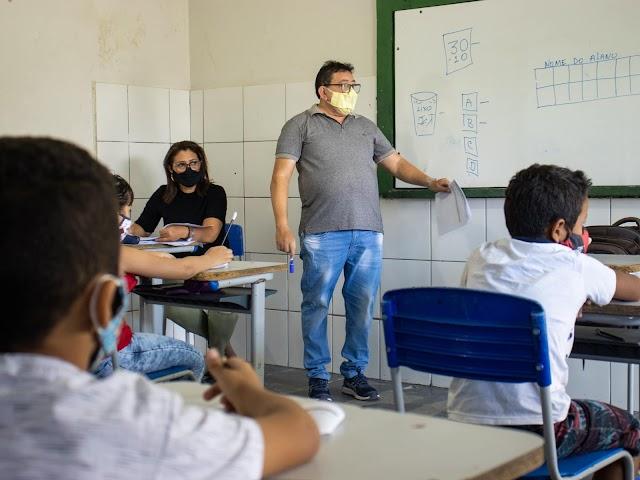 Reajuste de 31% no piso salarial do magistério terá impacto de R$ 5 milhões, em 2022, nos cofres de Santa Quitéria, aponta CNM