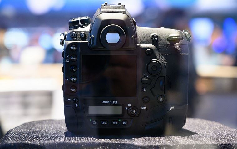 At CES 2020 showed the camera Nikon D6 You can watch, you can't touch