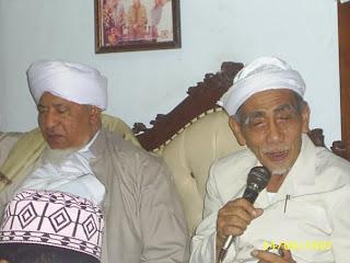 Foto-foto Mbah Maimoen bersama para ulama lainnya