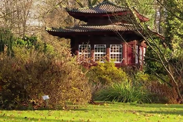 Direkt Neben Dem Bayerwerk Ist Der Japanische Garten Oder Auch Chempark  Genannt Schon 1913 Hat Der Damalige Bayerchef Carl Duisberg Den Garten  Anlegen ...