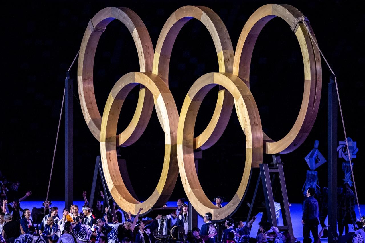 Aros olímpicos de madeira