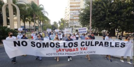 """Ocio y hostelería exigen una reapertura total: """"Todos los políticos han sacado barriga por el sector en FITUR"""""""