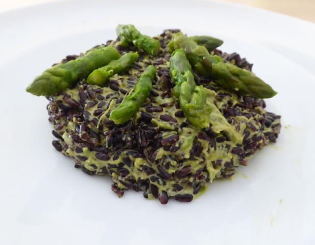 riso venere con crema di asparagi