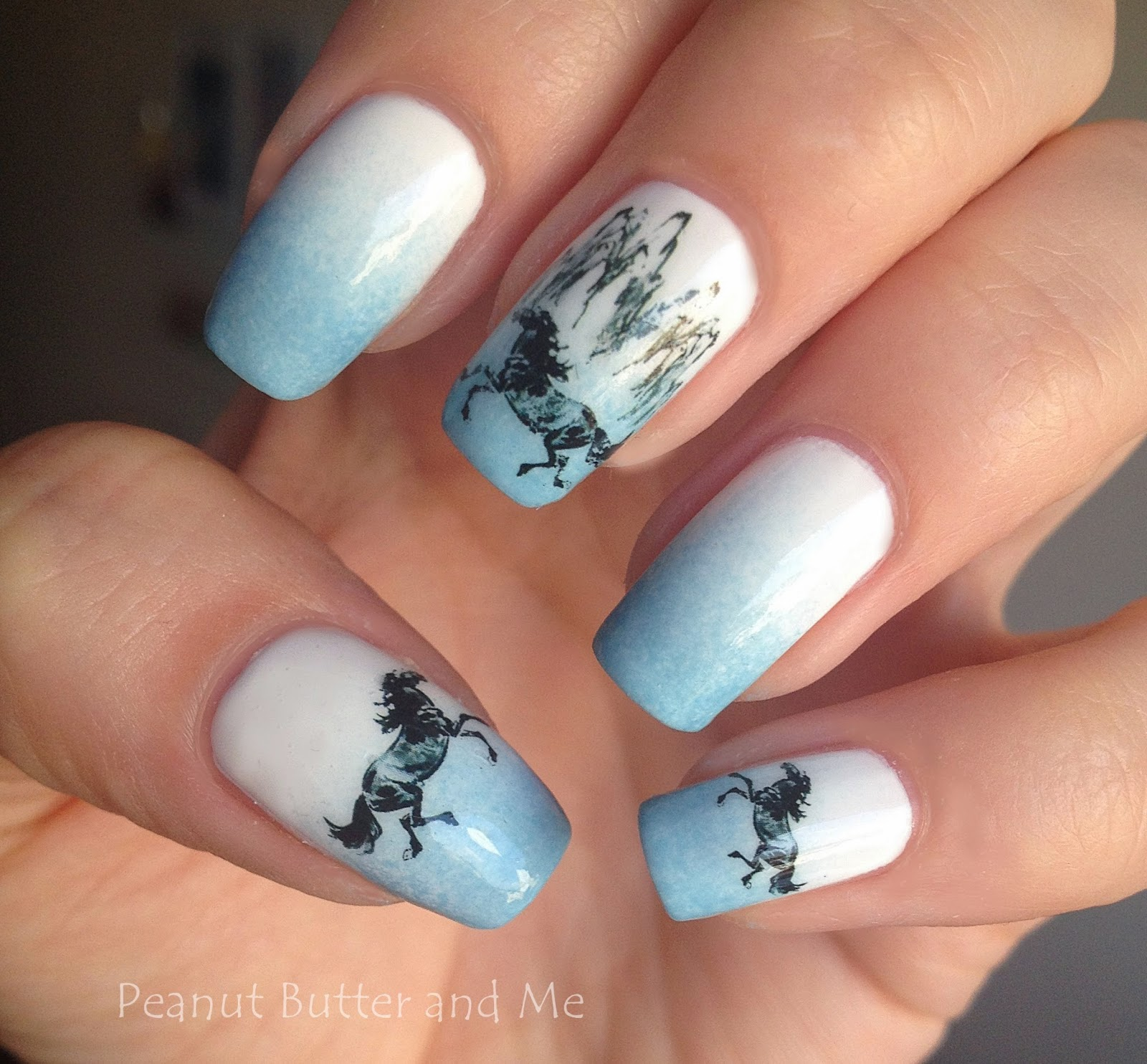 cavalli nails mani blue white polish golden rose hors horses konie paznokcie water detals