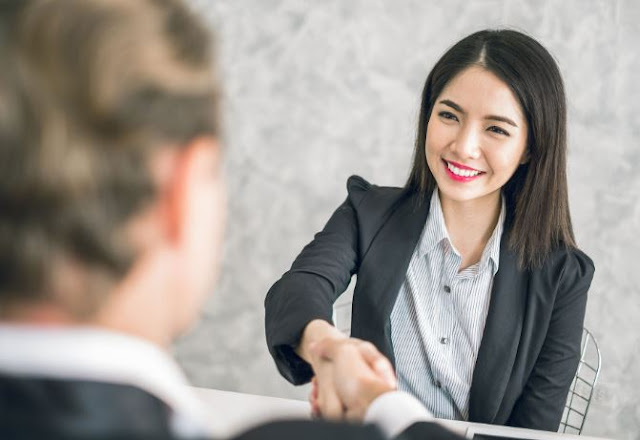 How to conduct a successful job interview easily?
