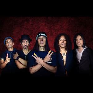 Slank – (Non Political) Asian Dance (Feat. Dipha Barus)