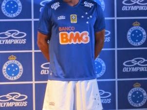 O Cruzeiro deve anunciar o fornecedor de materiais esportivos da próxima  temporada no fim de novembro. Olympikus 745c9e9e354fb