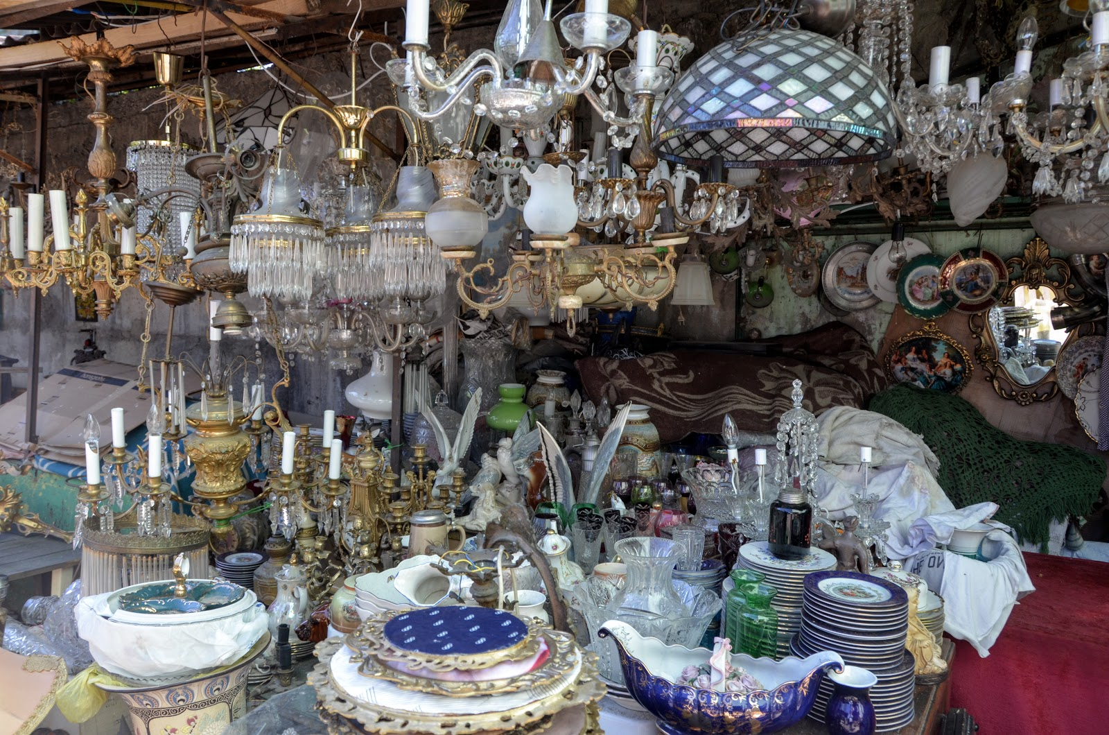 Nice If I was in need of a chandelier I would definitely be checking out the items in this section of the Dry Bridge Bazaar