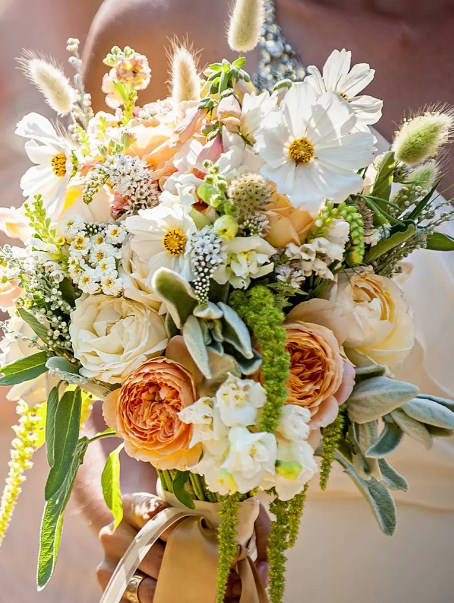 Wildflower bouquets for weddings