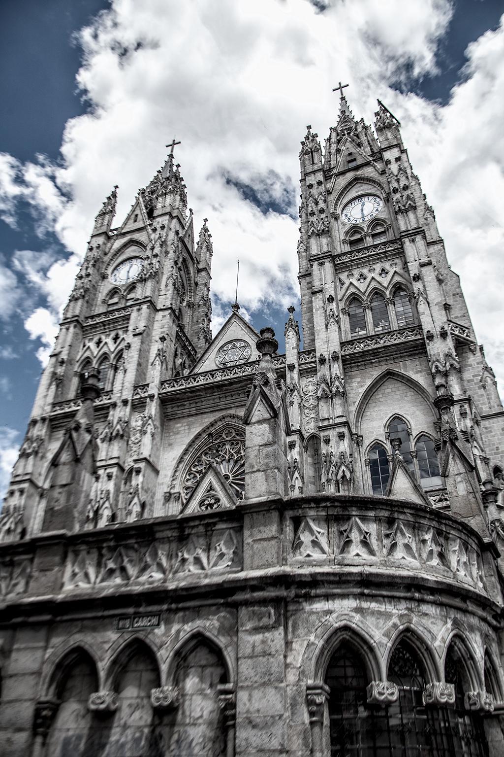 Torres de la Basílica del Voto Nacional, Quito, Ecuador