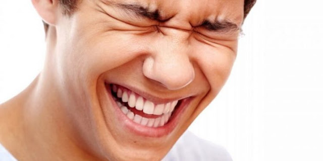 الضحك في المنام أقوي مفسر ابن سيرين والنابلسي