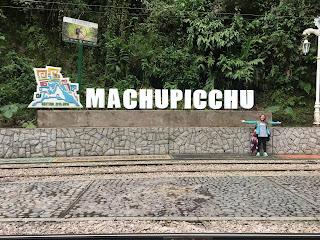 cartel referencia al machu picchu
