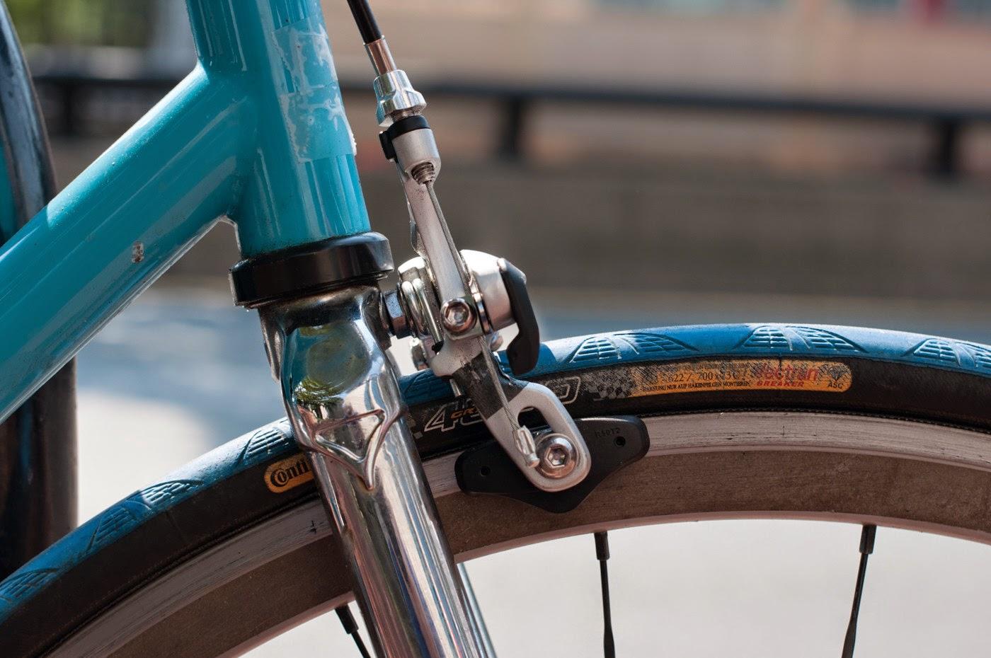 Fixie, fixed speed, bicycle, boston, USA, custom, customised, blue, tim Macauley, the biketorialist, shimano, frame, 3t, ritchey, tiagra