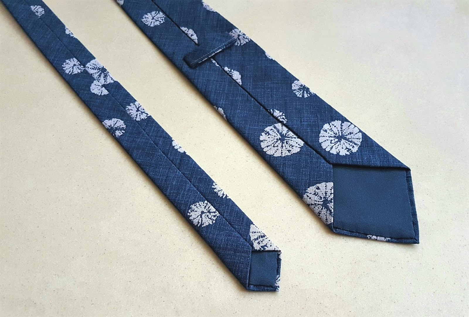 Velvet Ribbon: DIY Necktie