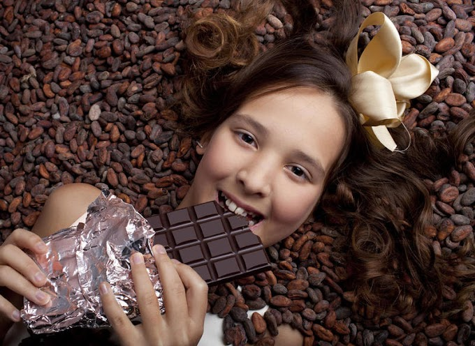 10 فوائد صحية للشوكولاتة الداكنة : من تقليل خطر الإصابة بالاكتئاب إلى فقدان الوزن