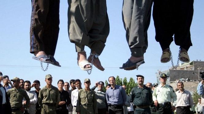 Irán: Violaron a una mujer ante su esposo maniatado y los ahorcaron