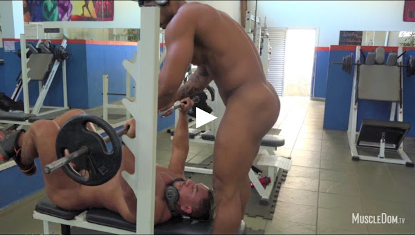 #MuscleDom - Naked Gym 6