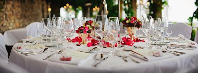 wedding-table-setting-restaurant