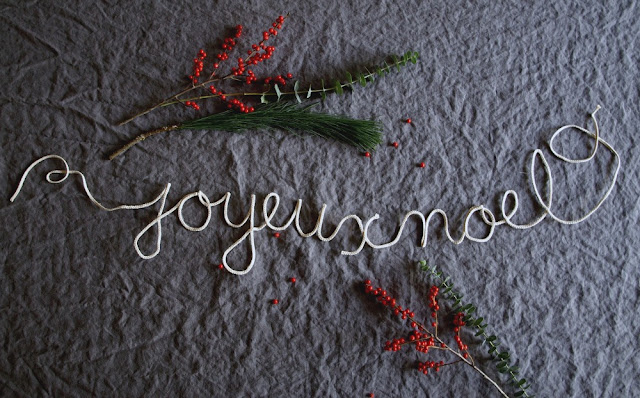 DIY Joyeux Noel Garland || This Little Miggy Stayed Home