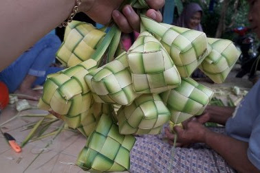 Cara membuat ketupat lebaran yang pulen dan tidak mudah bau