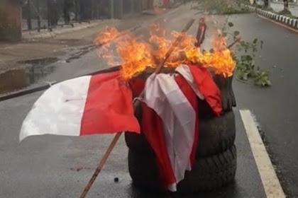 Massa Serbu Kantor DPRD Papua dan Bakar Bendera Merah Putih
