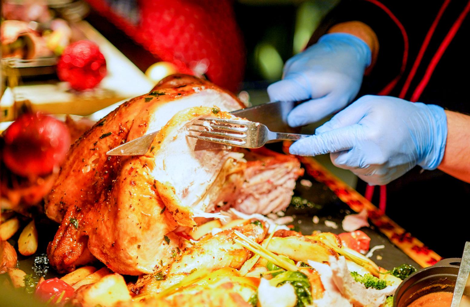 aloft kuala lumpur sentral: christmas & new year buffets & festive packages