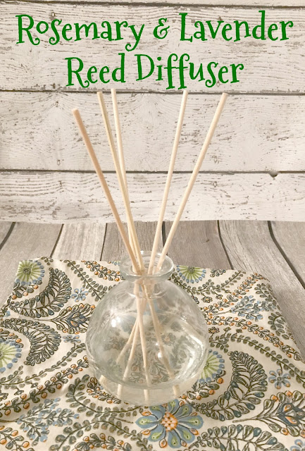 Rosemary & Lavender Reed Diffuser #DIY, Reed Diffuser, make your own Reed Diffuser, DIY Reed Diffuser, Essential oil Reed Diffuser, easy Reed Diffuser
