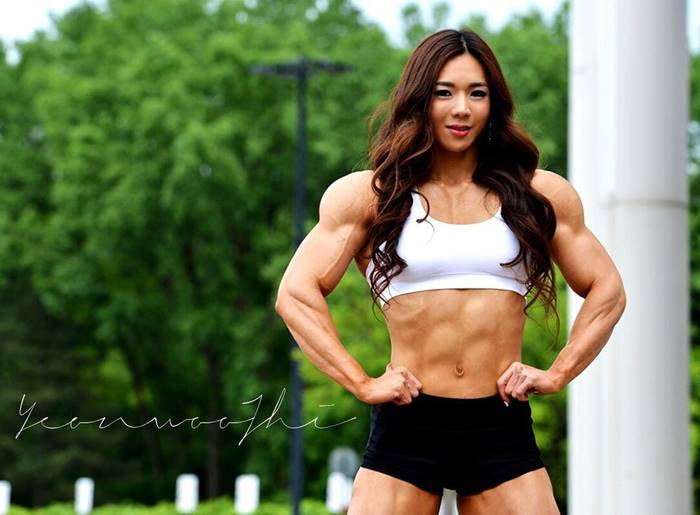 "34-year-old Jhi Yeon-woo in South Korea is called ""Muscular Barbie"" because of the stark contrast between her pretty face and her impressive, pounded body."