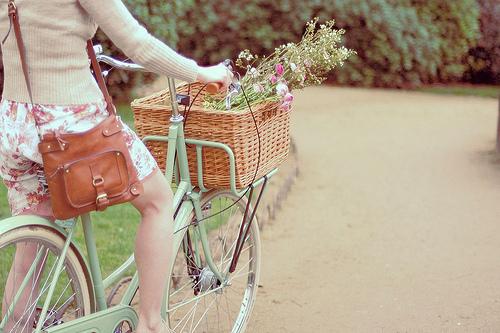 Resultado de imagem para dia da mulher em bike - bike naºo flores