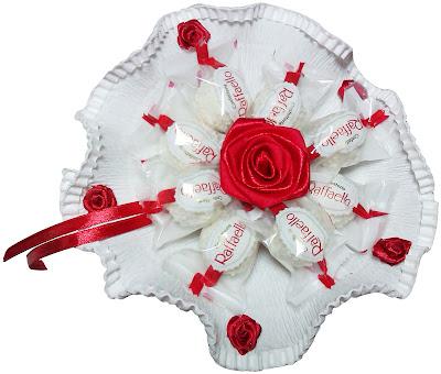 bukiet z czekoladek cukierków raffaello