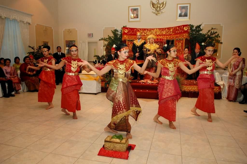 Tari Tradisional Traditional Dance In Indonesia