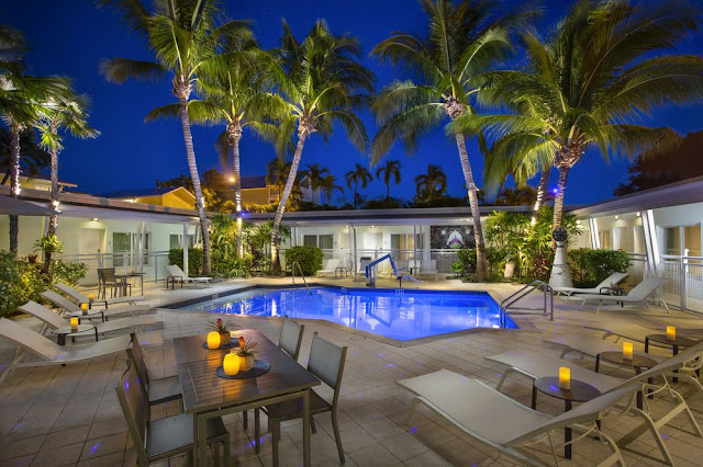 Ranked top 10 most romantic hotels in the U.S., Orchid Key Inn Key West delivers a luxury experience, impeccable service and Historic Old Town location.
