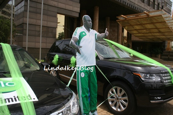 Brand New Toyota Camry Nigeria Grand Avanza G Putih Glo Boss Mike Adenuga Buys 2013 Range Rover For Stephen Keshi
