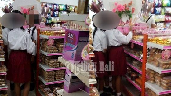 Foto Siswi SD di Bali Beli Hadiah Valentine Untuk Pacar