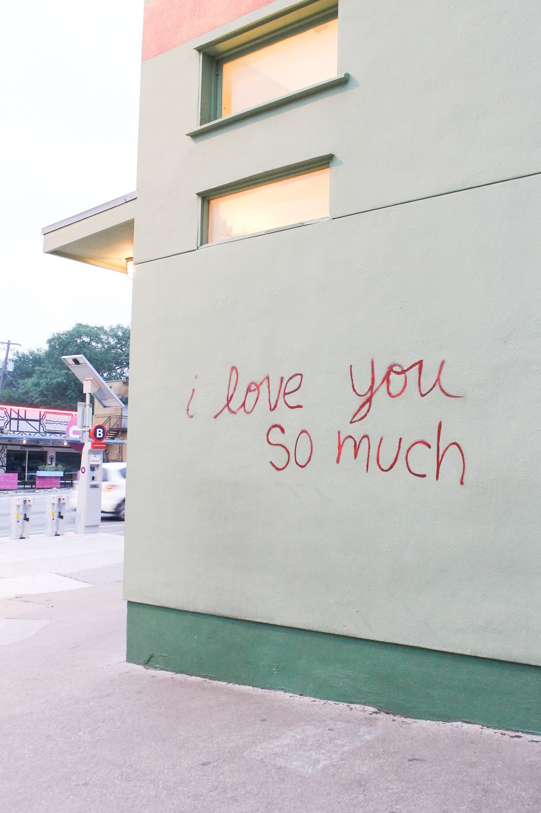 I love you so much wall in Austin, TX SoCo | www.thebellainsider.com