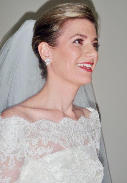 bride with rose lipstick
