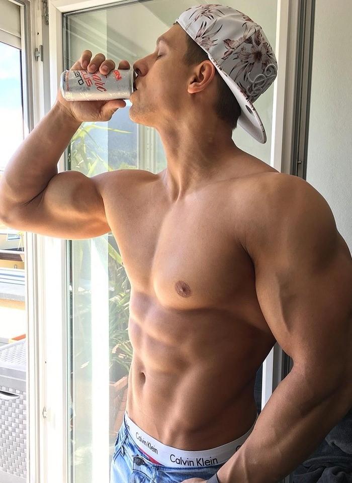 sexy-str8-beefcake-guy-shirtless-muscle-body-drinking-pop-cap