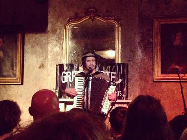 jason webley performing in london