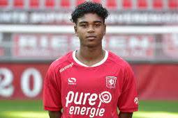 Godfried Roemeratoe Masuk di SC Heerenveen dan Diminati Klub Sepakbola Jerman dan Italia