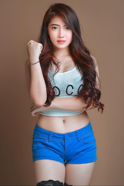Hot and sexy photos of beautiful busty asian hottie chick Pinay booty freelance model Rain Ara Pega photo highlights on Pinays Finest sexy nude photo collection site.