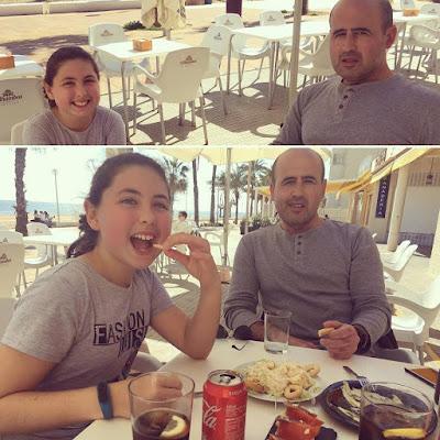 picoteo, almuerzo,Playa, diversión, familia, saltos, agua, arenales del sol, sol, sabado,