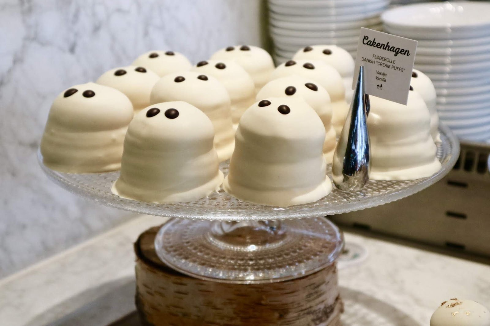 Marshmellow ghost cakes