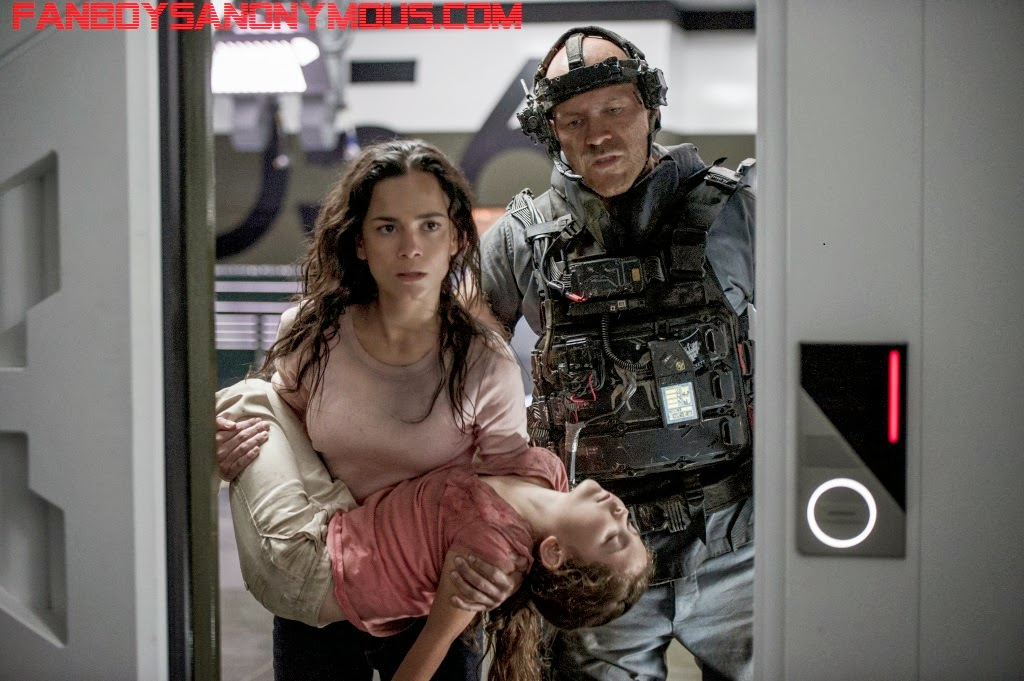 Predators actress Alice Braga must save her daughter in Neill Blomkamp's Elysium
