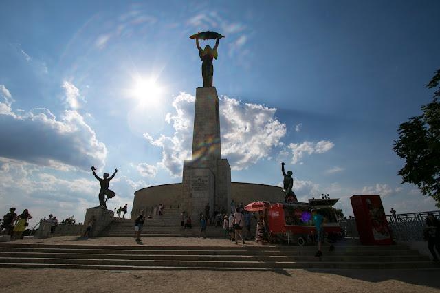 Monumento alla Libertà-Collina Gellert-Budapest