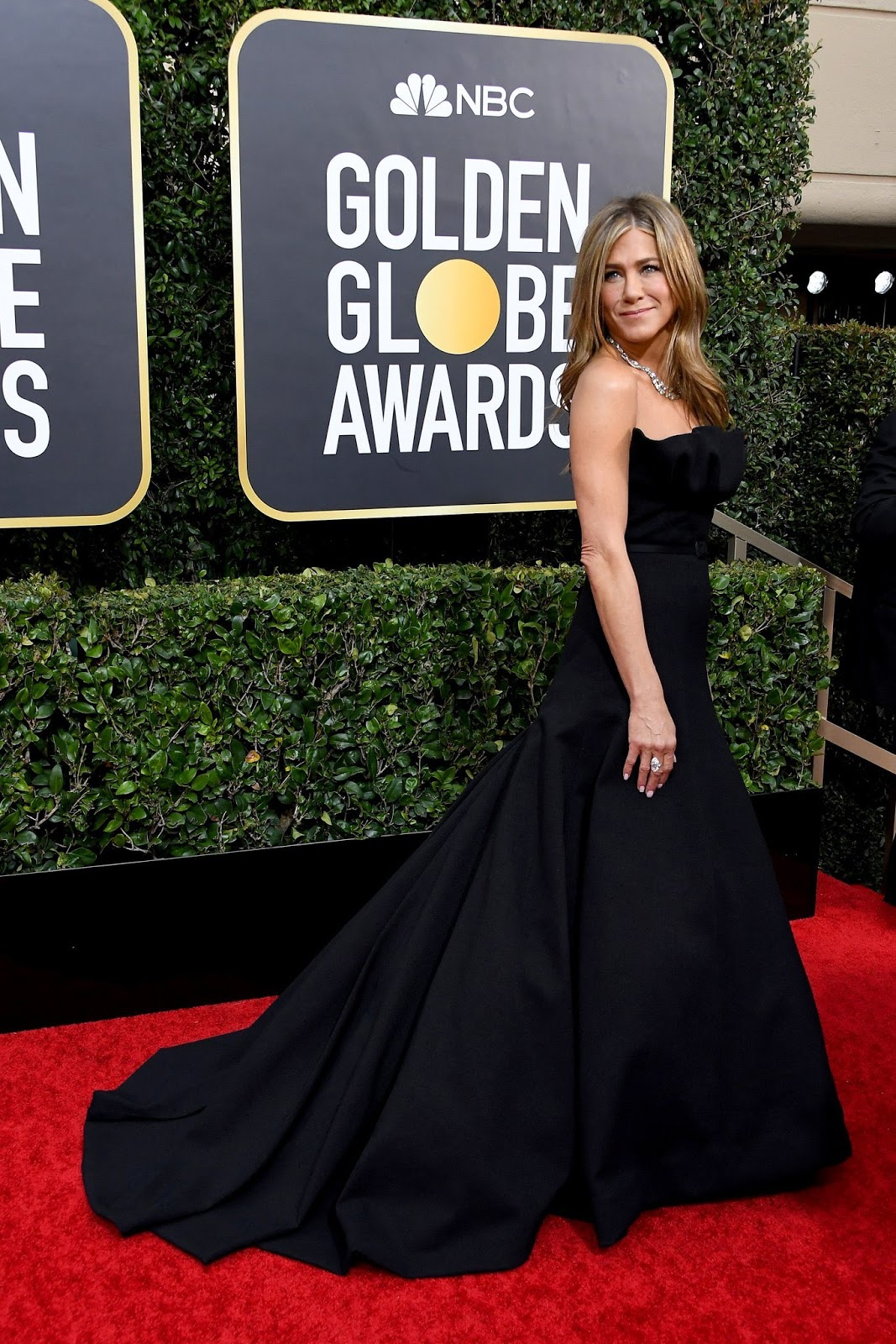 Jennifer Aniston Looked Like a Smokeshow in a Black Dior Dress at the 2020 Golden Globes