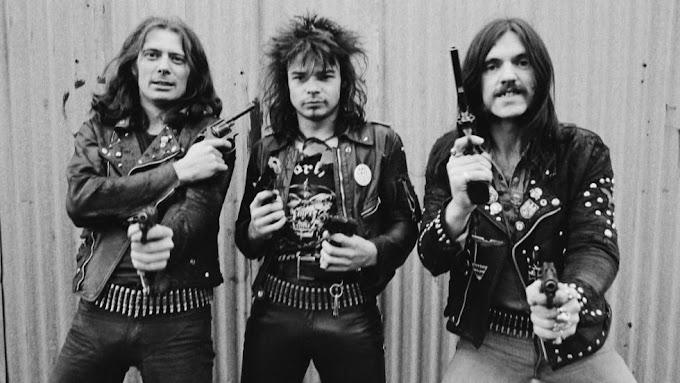 """Cómo """"la peor banda de rock del mundo"""" se convirtió en una de las más influyentes"""