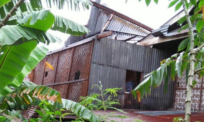 Puting Beliung Hantam Rumah Warga Kessing, Atapnya Roboh
