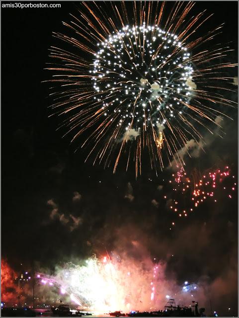 Fuegos Artificiales del Día de la Independencia en la Esplanade de Boston