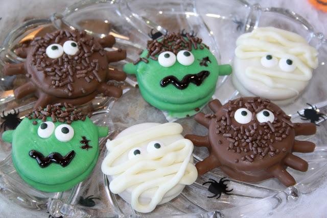 Halloween Cookies Oreos
